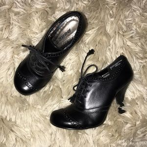 Black Closed Toe Heel Booties